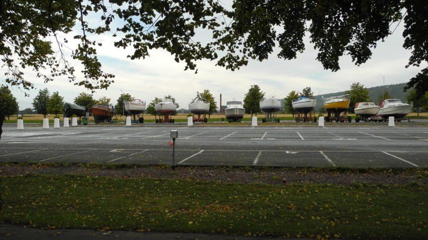Båtuppställningen, stora parkeringen