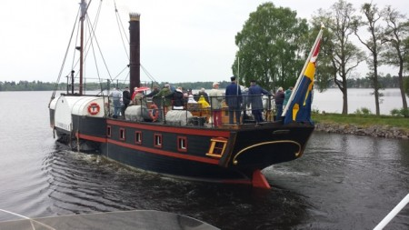 Hjulångaren E. Nordevall  åkte förbi oss i Karlsborg.